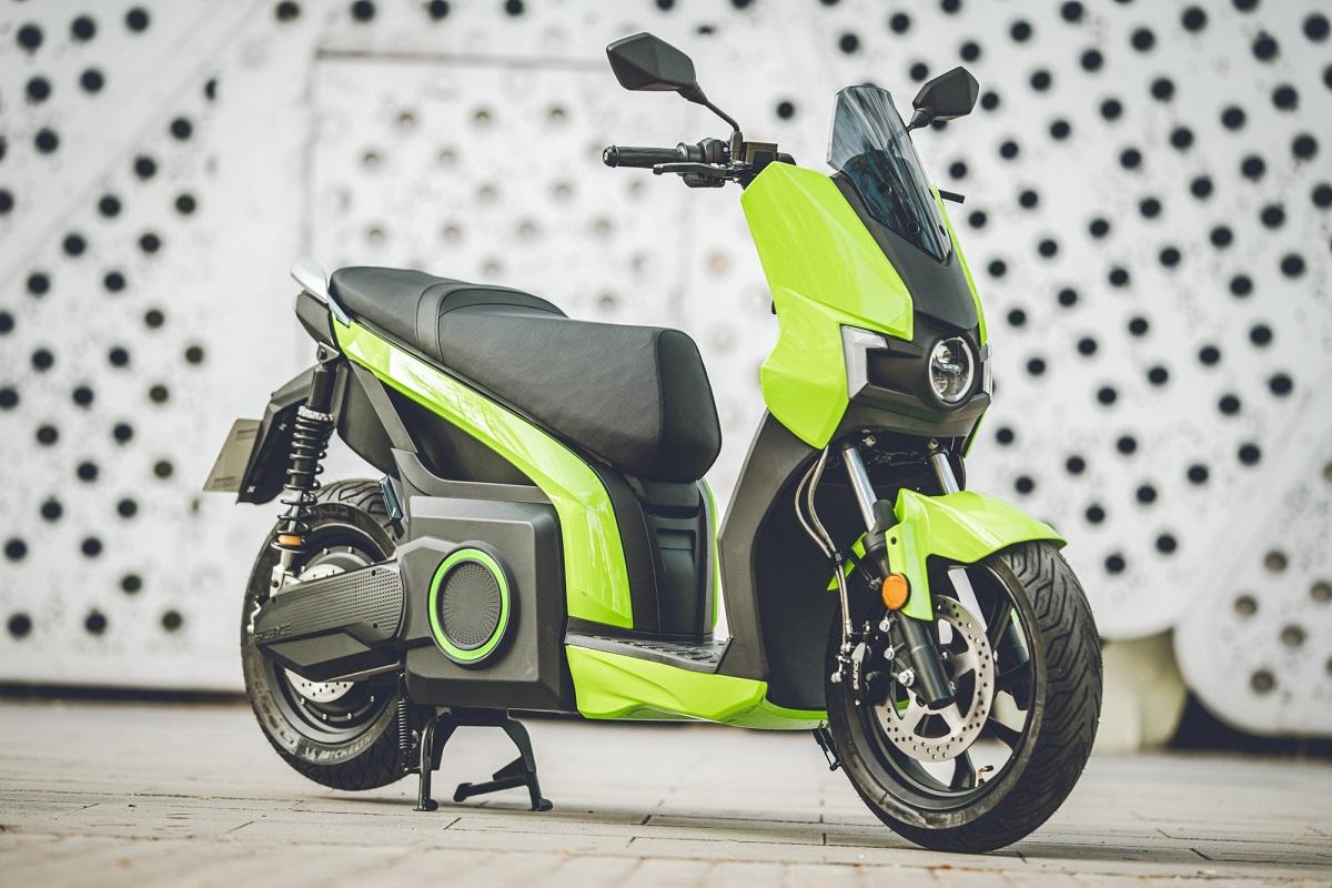 'e-moto' scooter